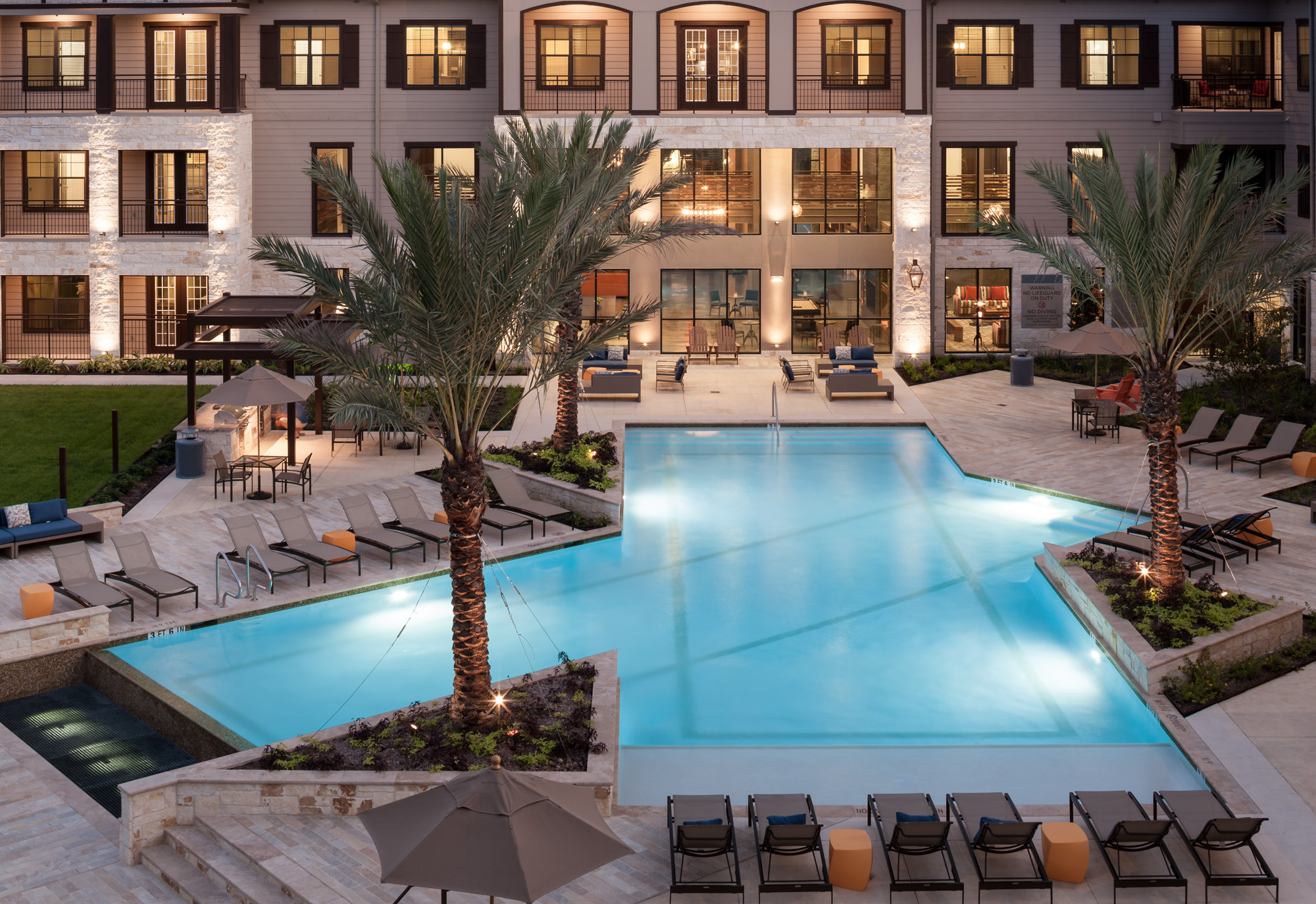 Houston Apartments Resort Style Pools Make A Splash