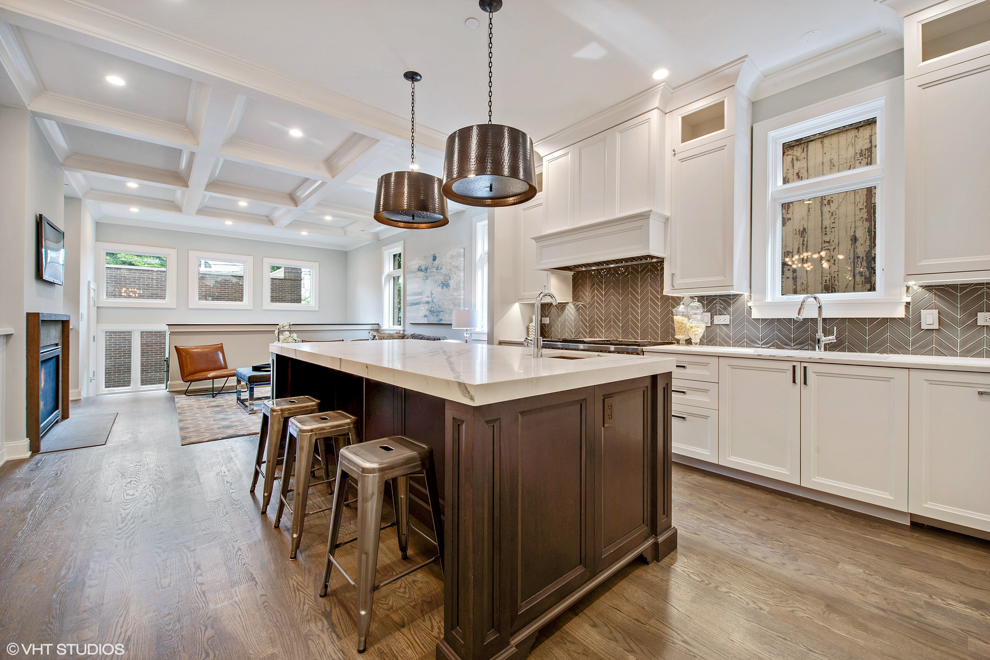 As A Boutique Infill Builder Specializing In Chicagou0027s Luxury Market,  Taylor Johnson Client Barnett Homes Is Well Versed In The Must Have Kitchen  Elements ...